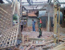 5,5 Kg Bahan Petasan Meledak Hancurkan 2 Rumah di Gandrungmangu
